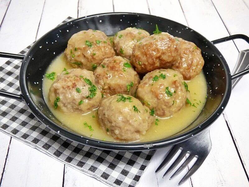 albondigas-en-salsa almendras recetasthermomix.net