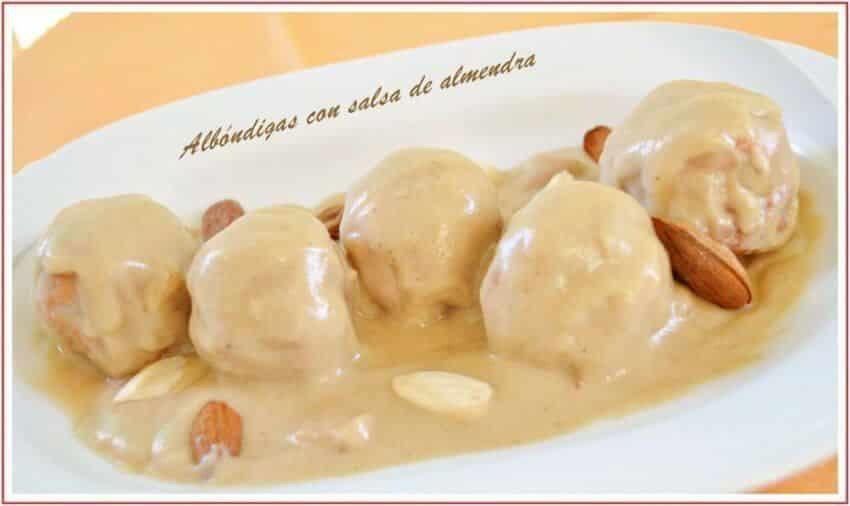 Albondigas En Salsa De Almendras